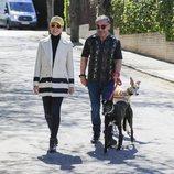 Jorge Javier Vázquez paseando con Raquel Sánchez Silva en su recuperación