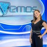 La presentadora Elisa Mouliaá en el plató de 'TVEmos'