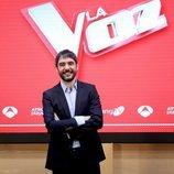 Juanra Bonet posa en la rueda de prensa de los Directos de 'La Voz'
