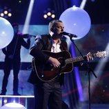 """Javi Moya canta """"El sitio de mi recreo"""" en la final de 'La Voz'"""