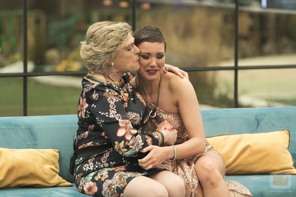 Juani sorprende a María Jesús Ruiz en la final de 'GH Dúo'