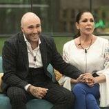 Isabel Pantoja y Kiko Rivera cogidos de la mano en la final de 'GH Dúo'