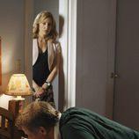 Linette mira a su marido Tom en 'Mujeres desesperadas'