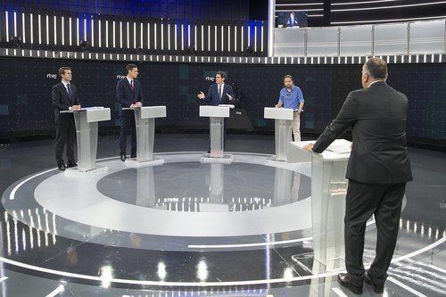 Los principales candidatos a la presidencia del 28A, frente a Xabier Fortes en 'El debate en RTVE'