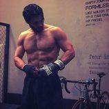 Can Yaman, de 'Pájaro Soñador', preparado para un entrenamiento de boxeo