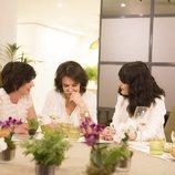 Paz Vega comparte su mesa en 'Cena con mamá'