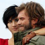 Sühan abraza a Cesur en 'Sühan: Venganza y amor'