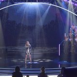 "Edurne interpreta ""Demasiado tarde"" en la final de 'Got Talent España'"