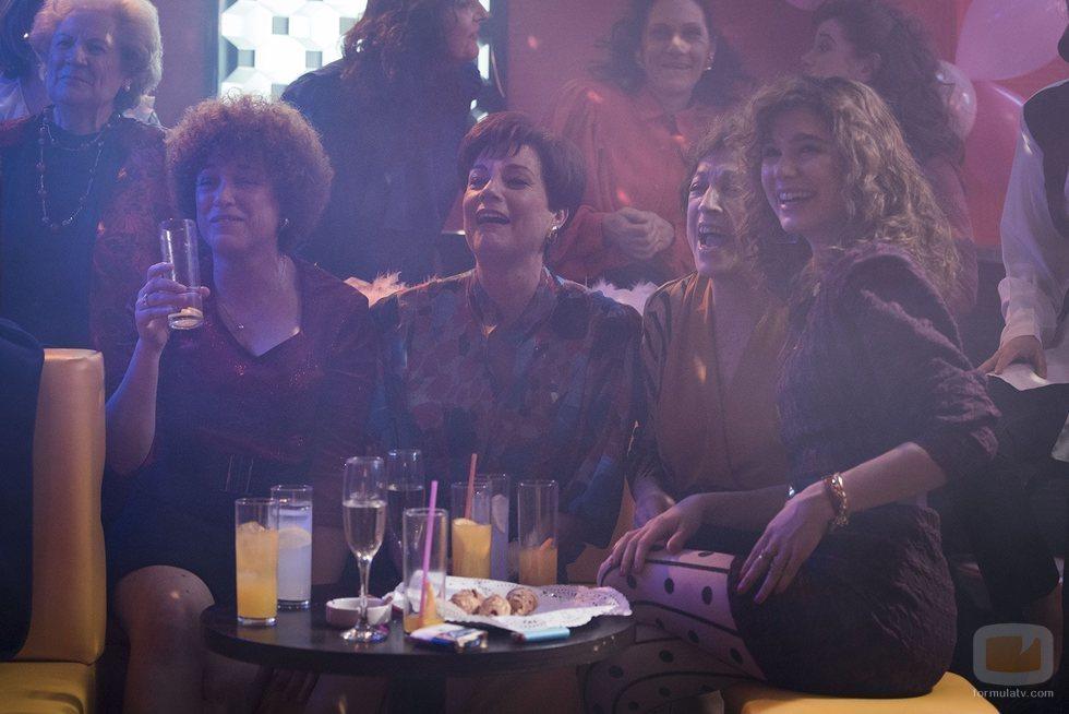 Olga, Clara, Casandra y Angie en el 20x06 de 'Cuéntame cómo pasó'
