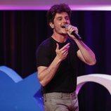 """Miki Núñez cantando """"La Venda"""" durante los Premios Sant Jordi de Cinematografía 2019"""