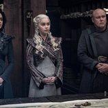 Daenerys junto a Missandei y Varys en el 8x04 de 'Juego de Tronos'