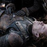 Theon Greyjoy yace muerto en el 8x04 de 'Juego de tronos'