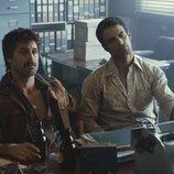 Los actores Hugo Silva y Jesús Castro, en 'Brigada Costa del Sol'