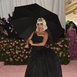 Lady Gaga sorprende con un segundo look en la Gala MET 2019