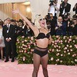 Lady Gaga y su sorprendente look en la Gala MET 2019