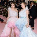Victoria y Cristina, las hijas de Julio Iglesias, en la Gala MET 2019