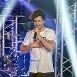 Miki canta sobre el escenario de 'Miki y amigos'