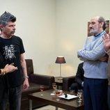 Coque, Antonio y Enrique hablan con la madre de Coque en la temporada 11 de 'La que se avecina'