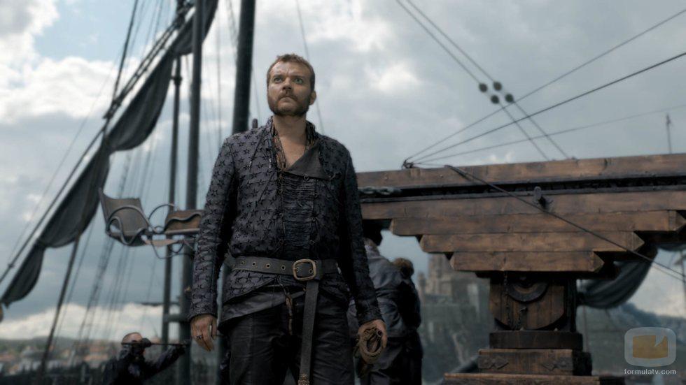 Euron Greyjoy otea el horizonte en el 8x05 de 'Juego de Tronos'