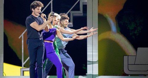 """Miki Núñez ensaya junto a sus bailarines la coreografía de """"La Venda"""""""