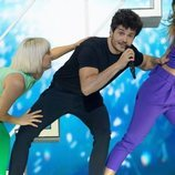 Miki Núñez junto a los bailarines en el segundo ensayo de Eurovisión 2019