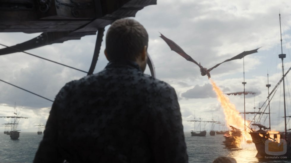 Euron Greyjoy contempla cómo Drogon abrasa la Compañía Dorada en el 8x05 de 'Juego de Tronos'