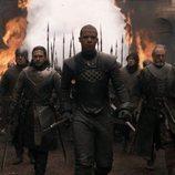 Gusano Gris lidera a las tropas de Daenerys al entrar en Desembarco del Rey en 'Juego de Tronos'