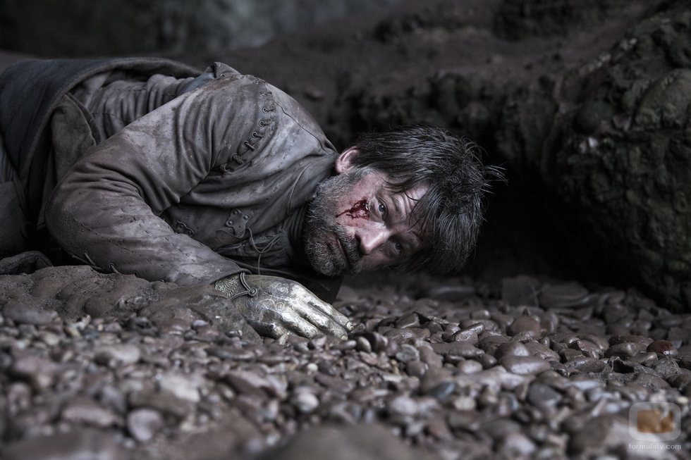 Jaime Lannister yace herido de gravedad en el 8x05 de 'Juego de Tronos'