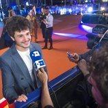 Miki Núñez atendiendo a la prensa en la Welcome Party de Eurovisión 2019