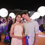 Zala Kralj y Gašper Šantl, en la alfombra naranja de Eurovisión 2019