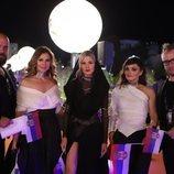 Nevena Božovic y su equipo, en la alfombra naranja de Eurovisión 2019