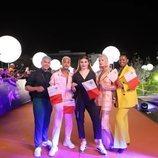 Michela Pace y su equipo, en la alfombra naranja de Eurovisión 2019