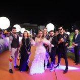 Ester Peony y su equipo, en la alfombra naranja de Eurovisión 2019