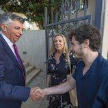 Miki Núñez es recibido por Manuel Gómez Acebo, el embajador de España en Israel