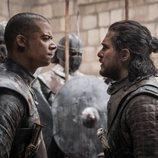Gusano Gris hablando con Jon Snow en el 8x06 de 'Juego de Tronos'