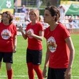 Lola Trujillo jugando al fútbol en el 11x05 de 'La que se avecina'