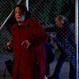 Doña Fina se cuela por una valla con Enrique en el 11x06 de 'La que se avecina'