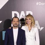 Ángel Martín y Patricia Conde, presentadores de 'Dar cera, pulir #0'