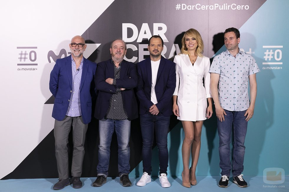 Fernando Jerez y Javier Pons junto a los presentadores de 'Dar cera, pulir #0', Ángel Martín y Patricia Conde