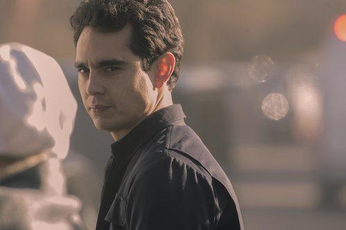 Nick lanza una misteriosa mirada en la tercera temporada de 'The Handmaid's Tale'