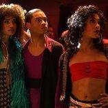 Angel, Damon y Blanca lanzan una mirada desafiante en 'Pose'
