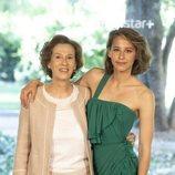 Julia Navarro e Irene Escolar en la presentación de la serie 'Dime quién soy'