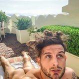 Nico Tortorella comparte una imagen desnudo en Instagram