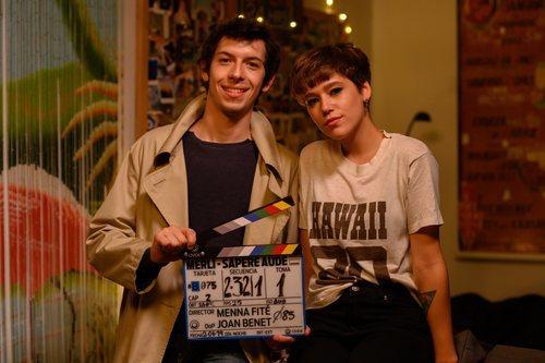Pablo Capuz y Azul Fernández en el rodaje de 'Merlí: Sapere Aude'