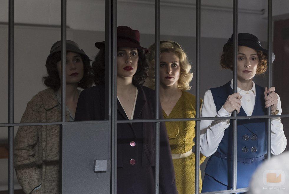 Marga, Lidia, Ángeles y Sara en la temporada 4 de 'Las chicas del cable'