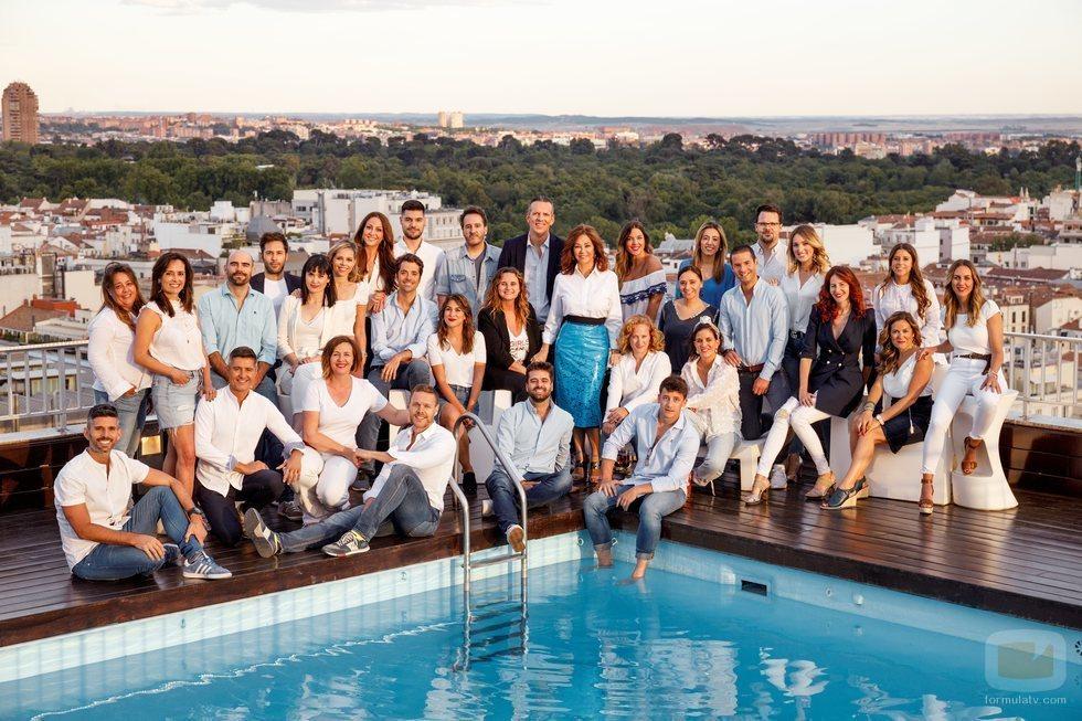 El equipo de 'El programa de Ana Rosa' posa ante los medios