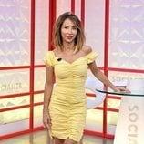 María Patiño posa sonriente en el plató de 'Socialité'