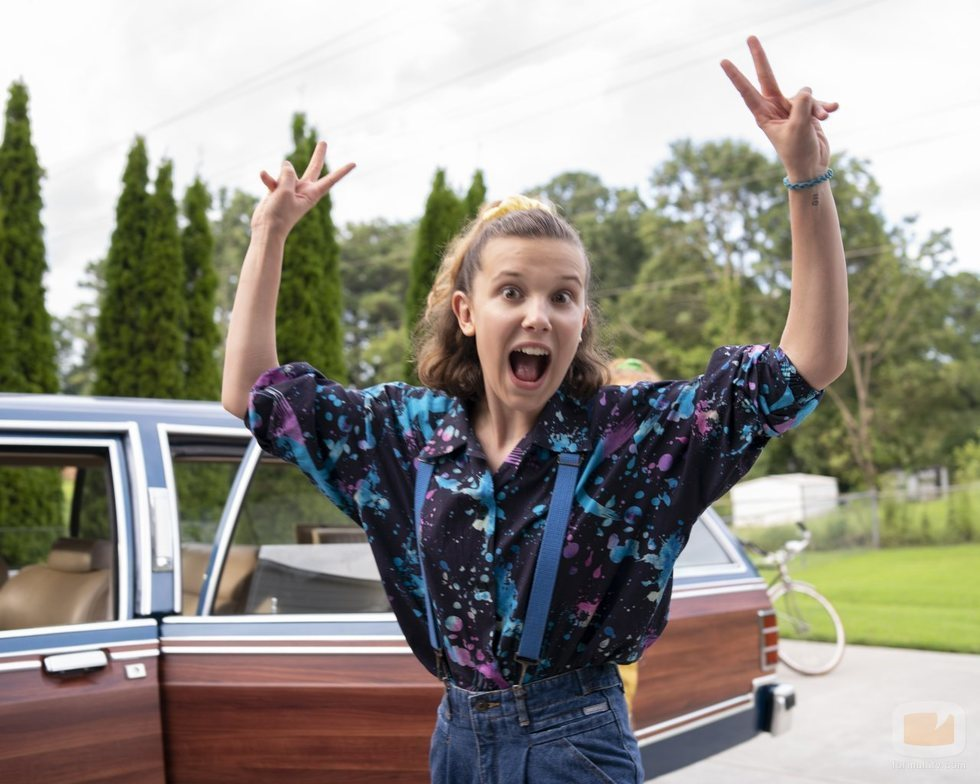 Millie Bobby Brown en el rodaje de la tercera temporada de 'Stranger Things'