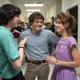 Finn Wolfhard, Charlie Heaton y Natalia Dyer en el rodaje de la tercera temporada de 'Stranger Things'