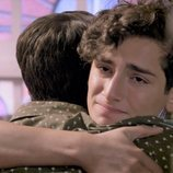 Aris y Temo se abrazan en 'Mi marido tiene más familia'